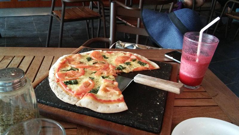 dining_galapagos_deli